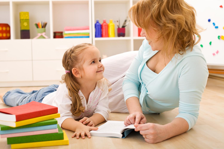 В якому віці вчити дитину читати?