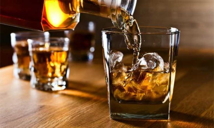 Як вживання спиртного ще більше прив'язує до випивки