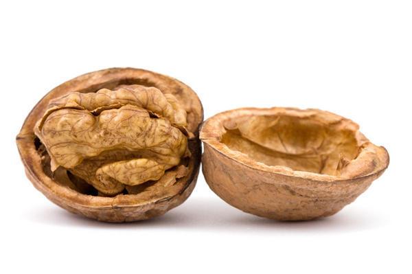 Як легко розколоти волоські горіхи?