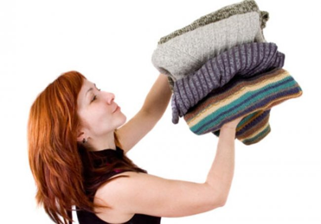 """Як усунути неприємний запах з одягу без """"магазинної хімії"""""""