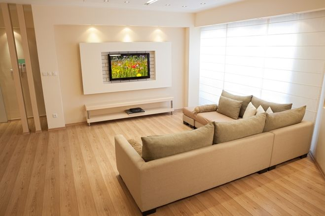 На якій відстані дивитися телевізор