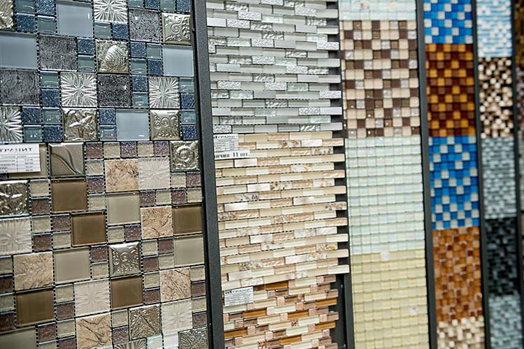 Як правильно укладати мозаїчну плитку
