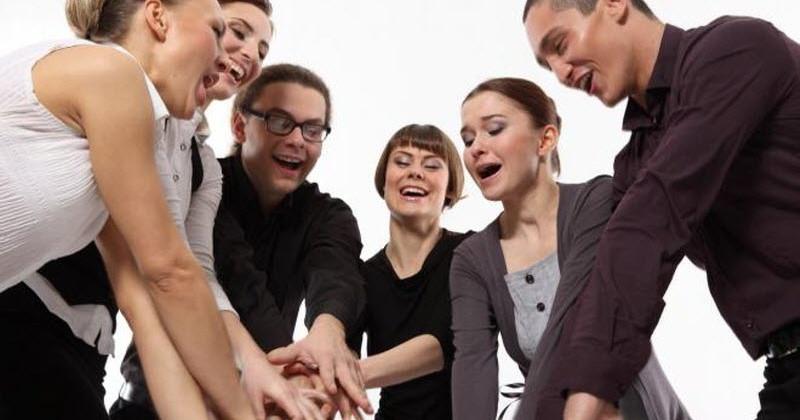 Як влитися в новий колектив