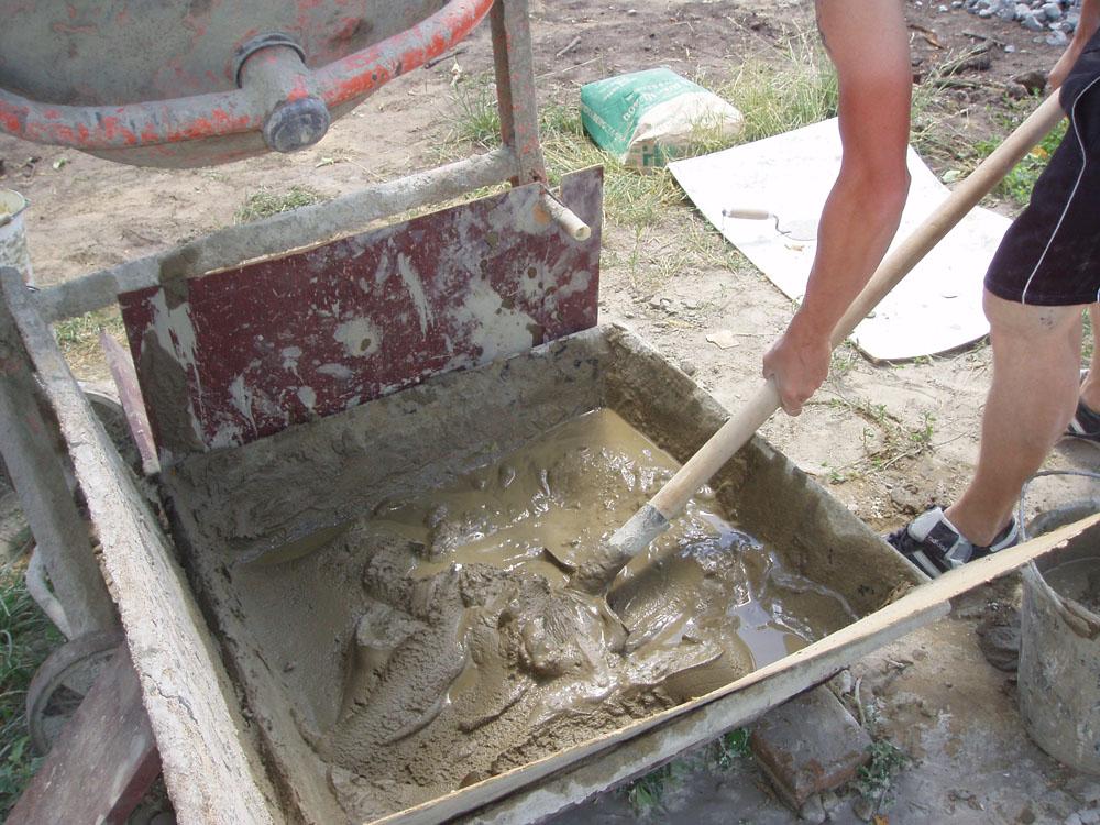 Як зробити цементний розчин?