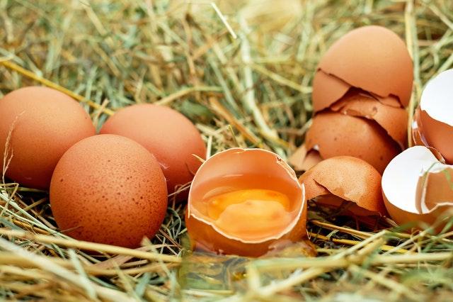 Яєчна шкаралупа — не сміття! Корисні ідеї застосування