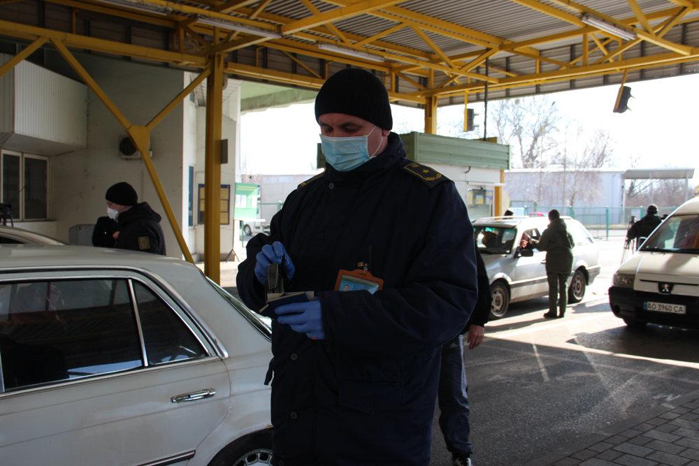 Україна закриває кордони через коронавірус, як працюватимуть пункти пропуску — інтерактивна карта