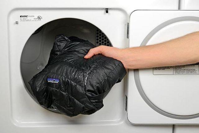 Пуховик: як прати, сушити, розправити пух