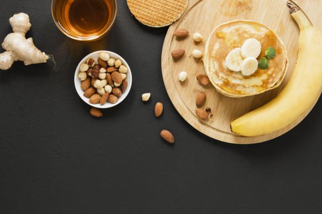 Смачний пісний сніданок: бананові оладки на кокосовому молоці