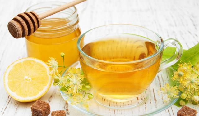 Вода з медом знімить втому та допоможе схуднути
