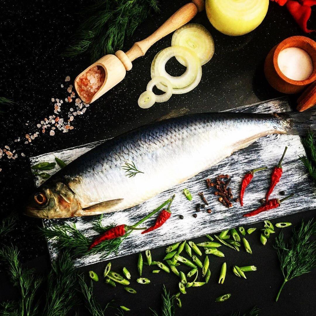 Як смачно засолити червону рибу, скумбрію та свіжий оселедець